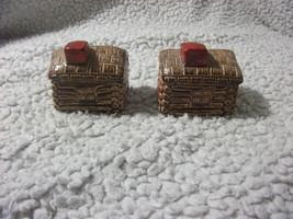 VINTAGE Log Cabin Little House Salt & Pepper Shakers Set  - $8.59