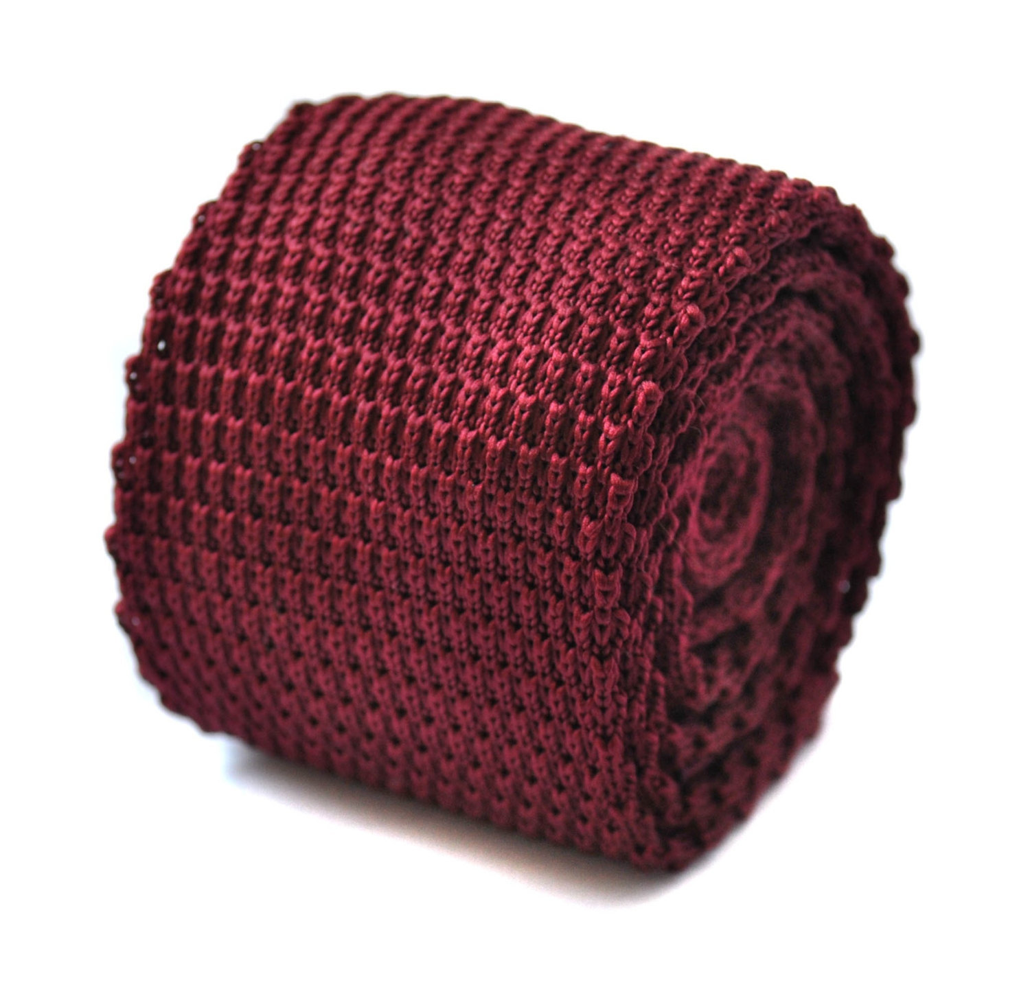 plain maroon knitted pointed end tie by Frederick Thomas FT272a in 8cm standard