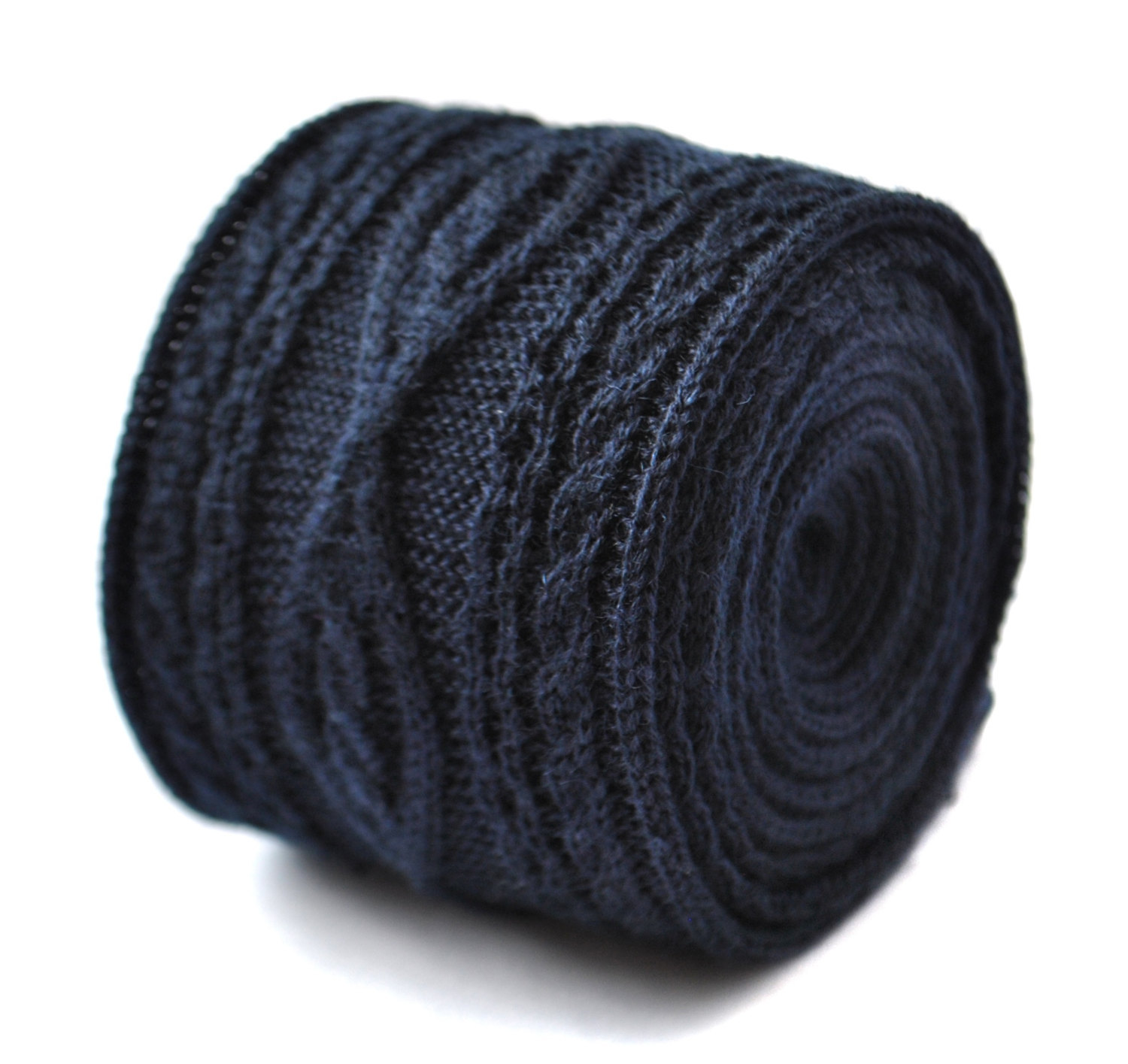 plain navy blue knitted tie with cable knit design by Frederick Thomas FT2009