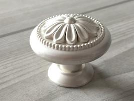 White Silver Dresser Knobs Drawer Pulls Kitchen Cabinet Door Knob Fleur De Lis - $5.00