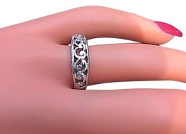 VINTAGE Sterling Silver Swirl Band Ring - $20.00