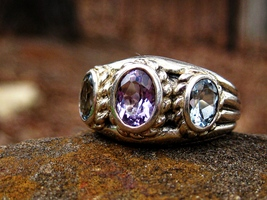 Haunted Ring The Ghosts of Richmond Theater Powerful messages from the dead - $150.00