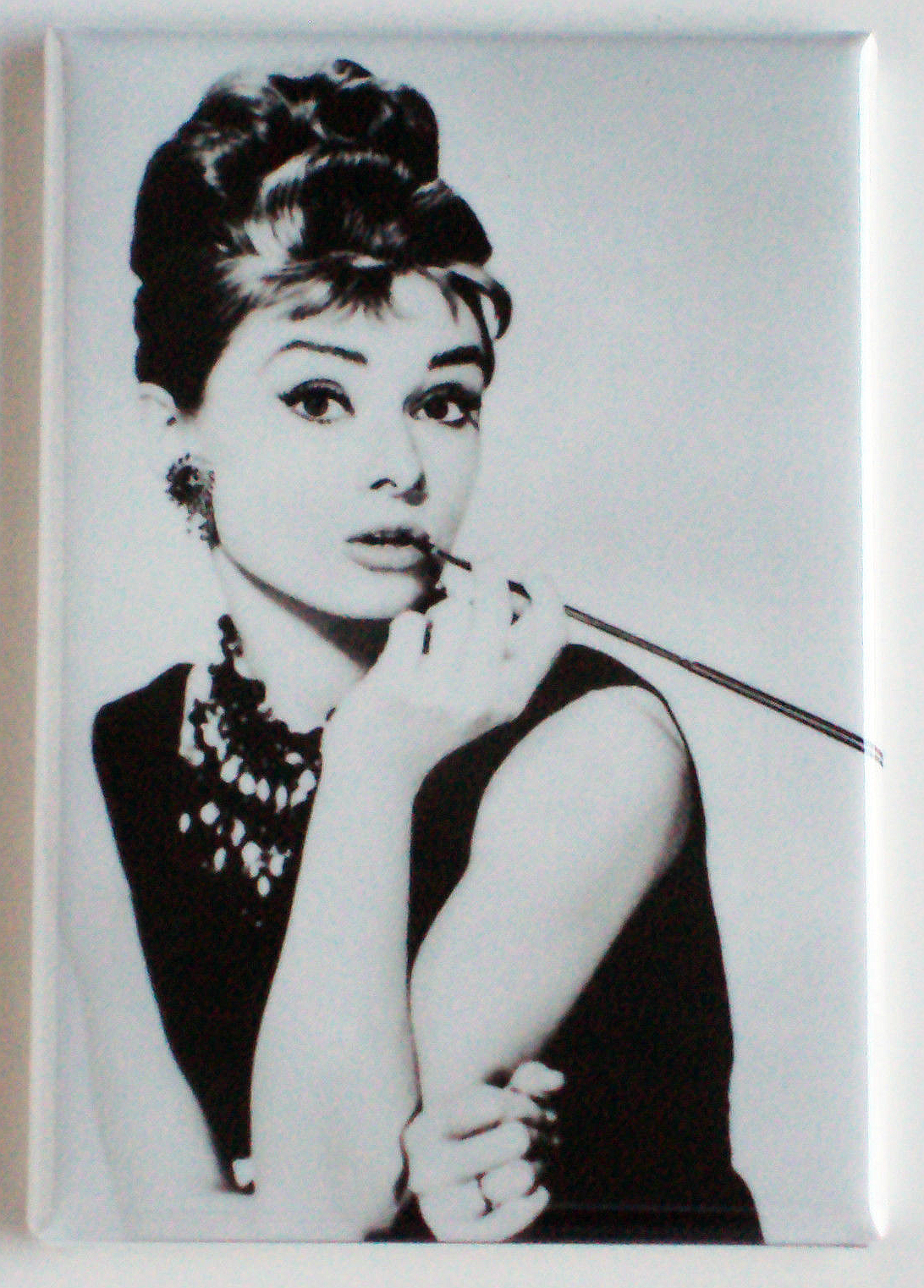 Breakfast at tiffany s magnet cigarette holder 2 x 3
