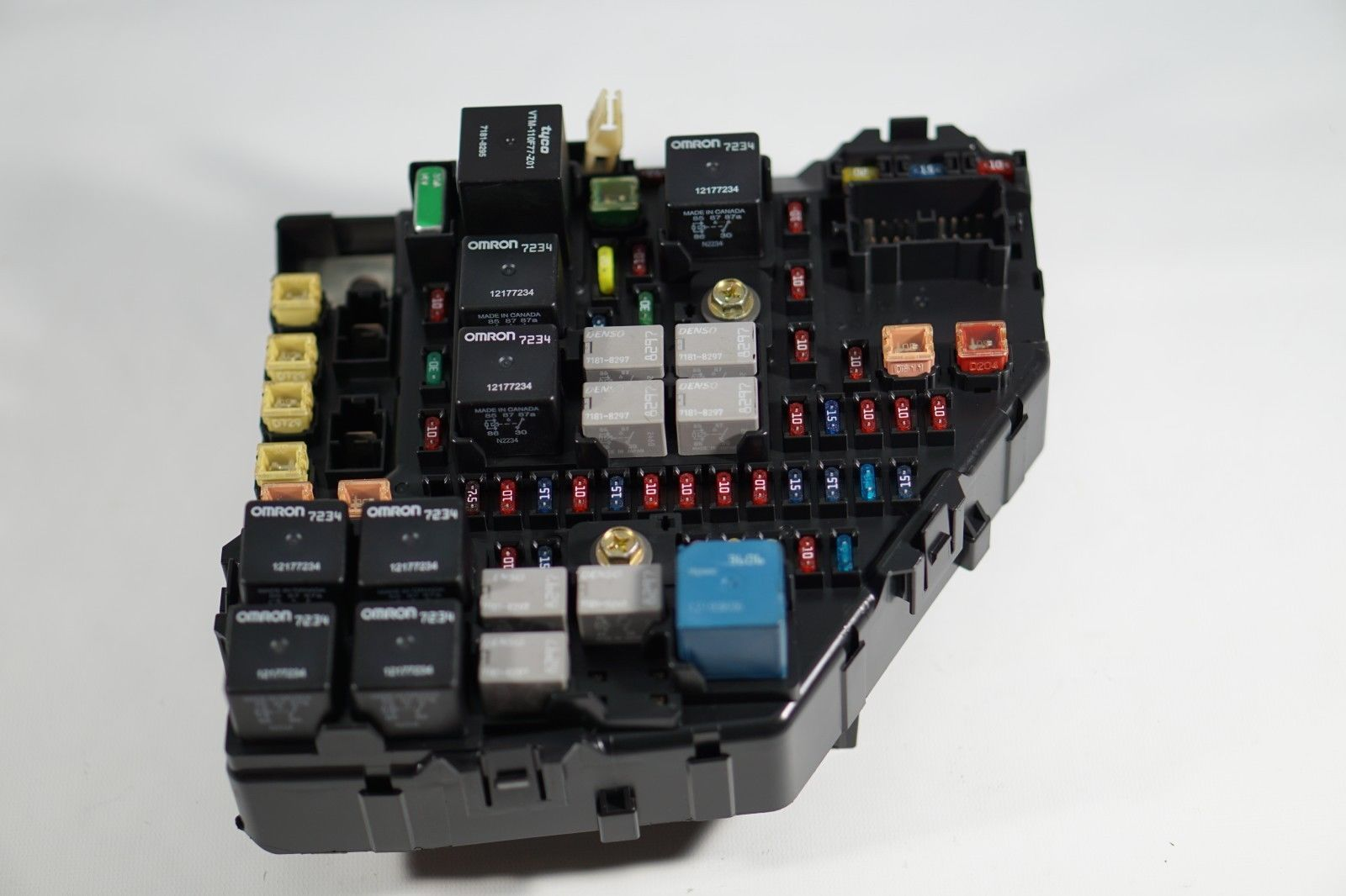 2003 Cadillac Cts Relay Fuse Box Junction And 39 Similar Items In S L1600
