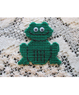Little Green Frog Magnet Plastic Canvas Needlec... - $5.00