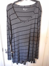 Women's Stylus Long Sleeve Shirt Charcoal & Black Size Medium  NEW - $13.86
