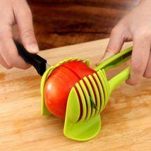 Hot Kitchen Tomato Potato Slicer Clip Holder Fruit Lemon Vegetable Cutte... - $127,23 MXN