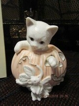 """LENOX 2000 """"HALLOWEEN CAT""""  CAT IN PUMPKIN WITH MOUSE FIGURINE NEW NO BOX - $22.00"""