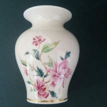 "Lenox "" Barrington"" Vase Estate Porcelain Collection 5 1/2"" with Pink Fl... - $24.70"