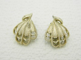 VTG CORO Signed Gold Tone Art Deco Nouveau Style Fan Clam Shape Clip Earrings - $9.90