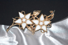 Vintage Signed Barclay White Milk Glass Double Flower Brooch - $28.00