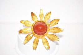Vintage Carnelian Glass Cabachon in Gold Tone Sunflower Brooch - $14.00