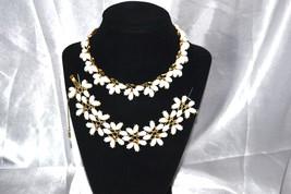 Vintage Signed Lisner White Thermoset Flower Necklace Bracelet Demi - $68.00