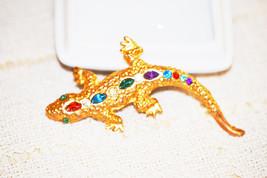 Vintage Jeweled Rhinestone Figural Gecko Lizard Bright Gold Tone Brooch - $8.00