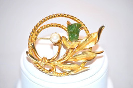 Vintage Signed Sarah Coventry Jade Garden with Pearl and Jade Brooch - $12.00
