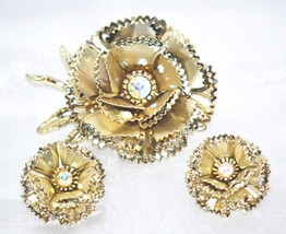 Vintage Layered Rose Flower Brooch and Matching Earrings - €14,81 EUR