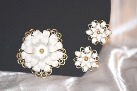 """Vintage Signed Sarah Coventry """"Snow Flower"""" 1966 Anniversary - $39.00"""