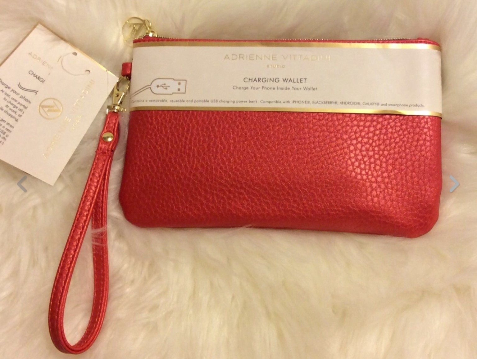 NEW ADRIENNE VITTADINI CELL PHONE CHARGING WALLET WRISTLET Persimmon Red Pebble
