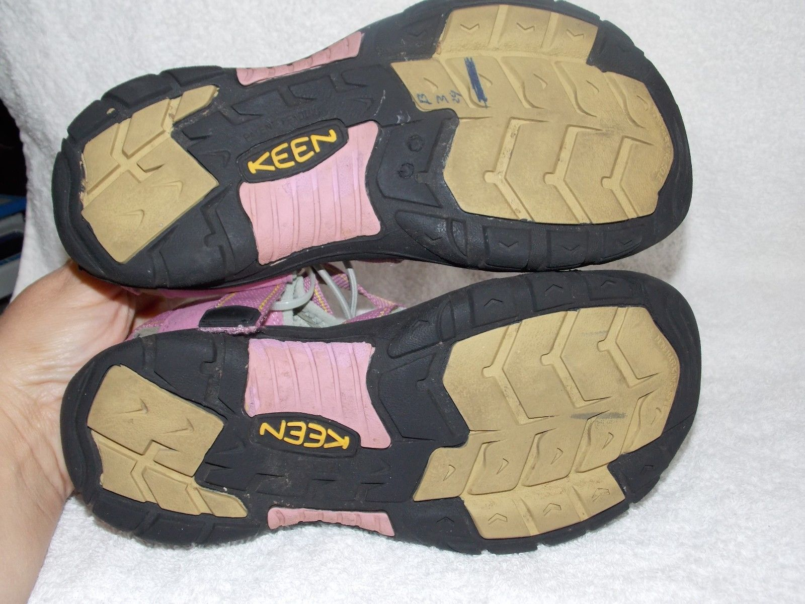 Keen Waterproof PINK/VIOLET Black Sport Hiking Trail Sandals 6 Used
