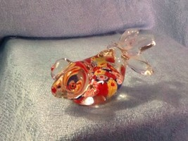 "Vintage Glass Art Millefoiri Fish Red Blue Yellow Too Cute 3"" Hand Blown - $6.85"