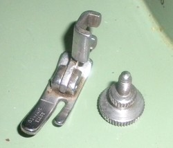 Singer 185K Low Shank Straight Stitch Presser Foot #32773 w/Mounting Screw - $10.00