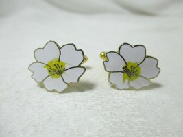 One of a Kind White & Yellow Enamel Flower Cuff... - $12.86