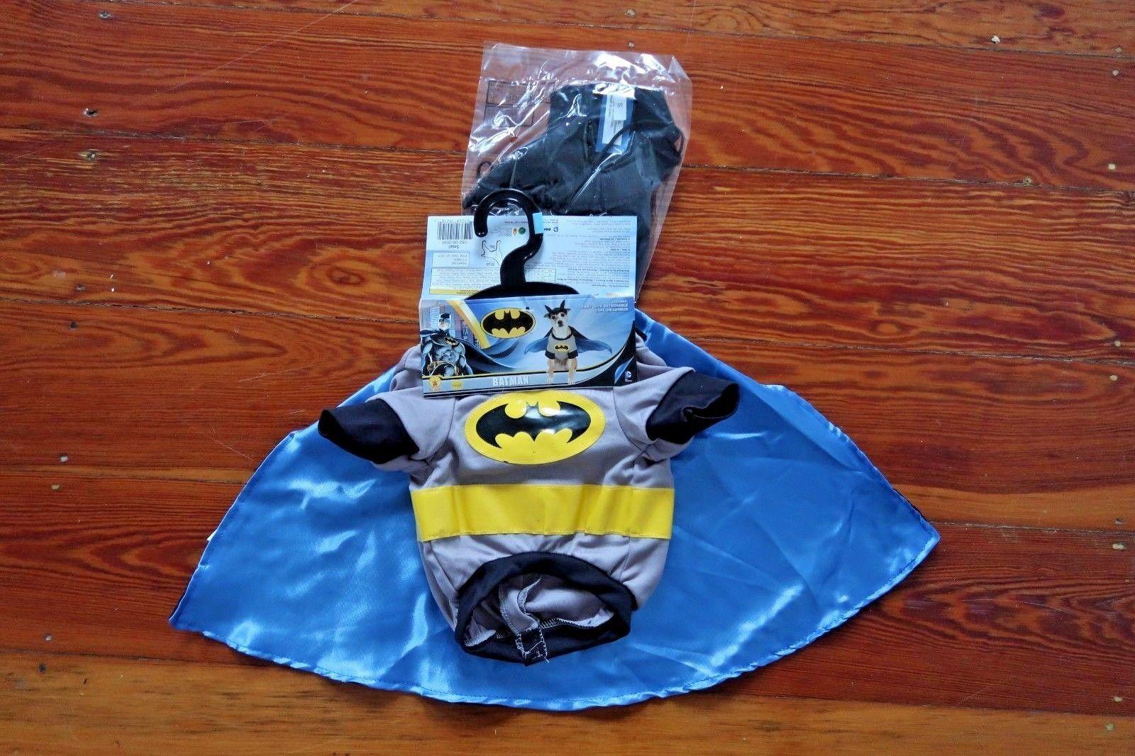 NEW Batman Pet Dog Costume Outfit Halloween Cape Superhero sizes S / M / L / XL