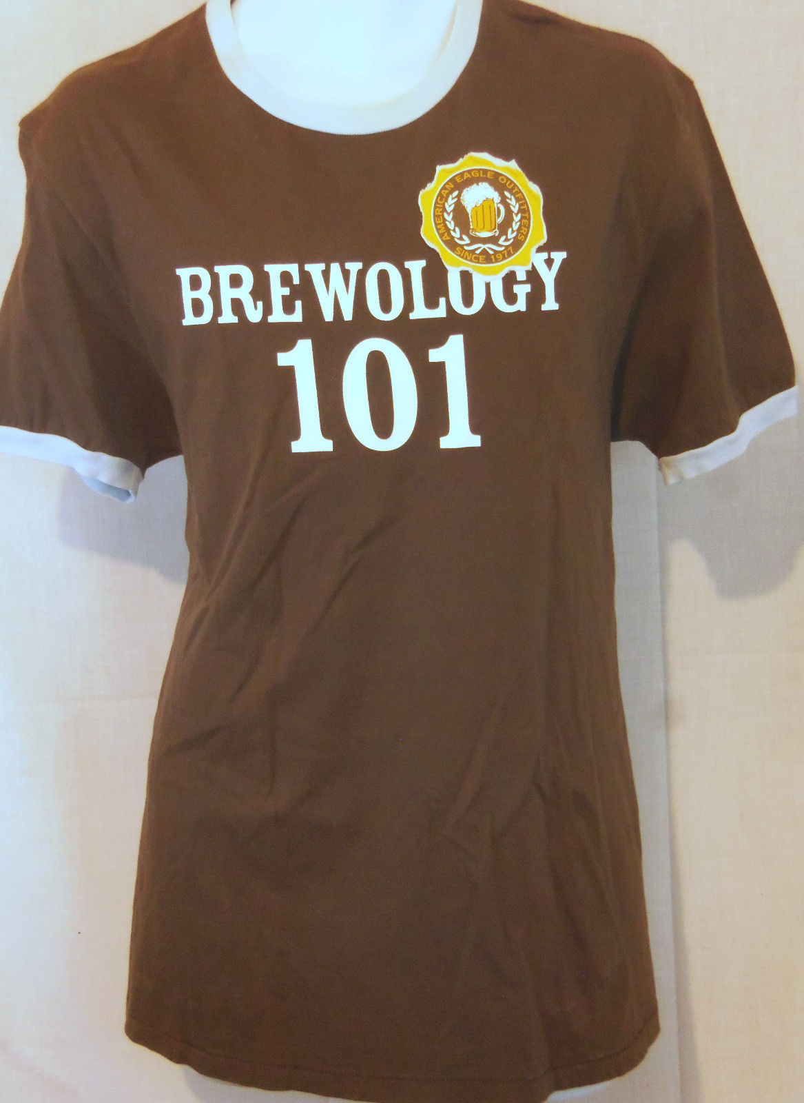 brewology 101 beer art american eagle outfitters brown  size L T shirt