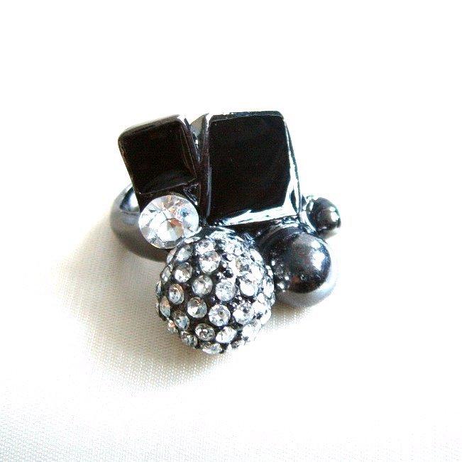 J Crew Cluster Ring Black Gun Metal Pave Crystal Ball Clear Rhinestone Size 6.25