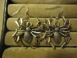 THICK SPIDER DANGLE EARRINGS     COMBINED SHIPPING   (Z88) - $2.99