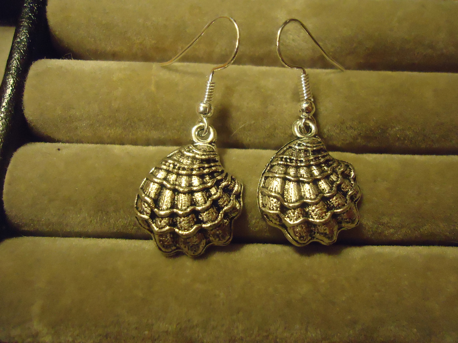 Primary image for SEASHELL DANGLE EARRINGS     C/S & H AVAILABLE   (Z91)