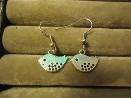LITTLE BIRDS DANGLE EARRINGS     C/S & H AVAILABLE  (Z98) - $2.50