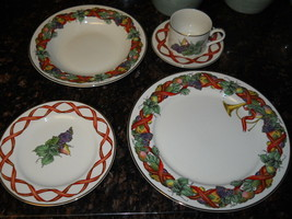 ROYAL LIMITED HOLIDAY HARVEST 5 PIECE PLACE SETTING - $69.25