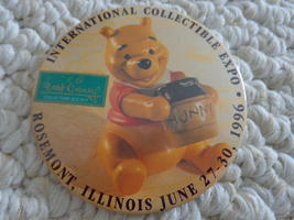 """INTERNATIONAL COLLECTIBLE EXPO"" PINBACK (#1945). From Rosemont, Illinois - $5.99"