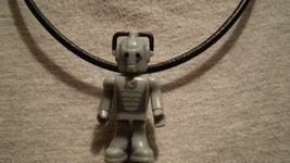 USA Doctor Who Cyberman Figure Charm Jewelry Necklace Sci-Fi Robot Collectible - $9.99