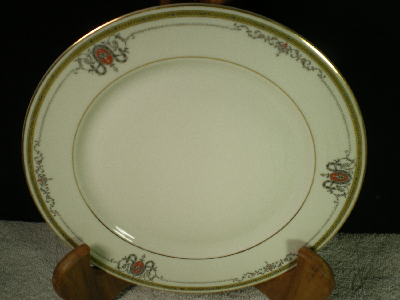"""HEINRICH SELB BAVARIA """"CRUSADER"""" SMOOTH 6 1/2"""" BREAD & BUTTER PLATEs~x's 7"""