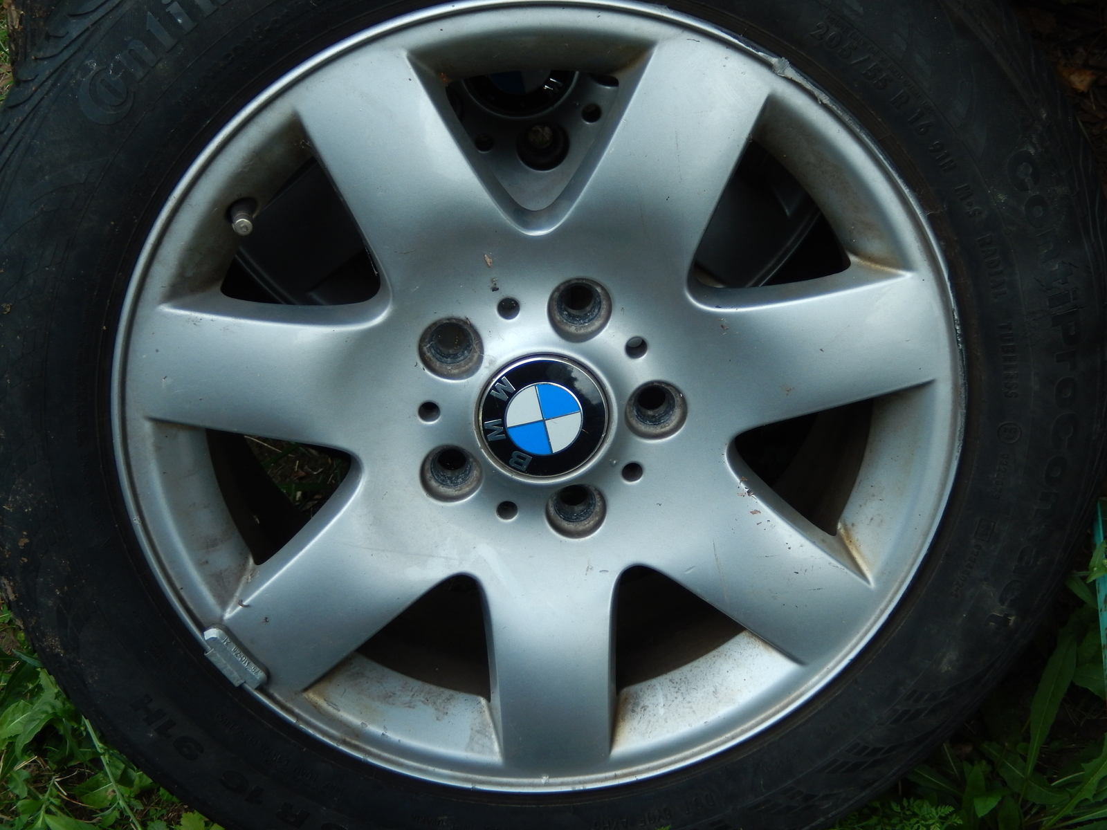 Bmw aluminum rims   tires  1