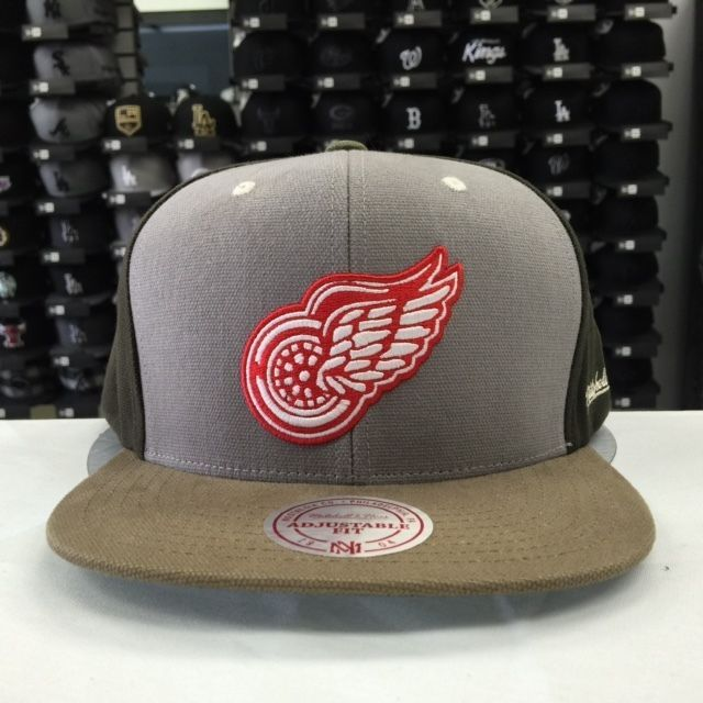 Mitchell & Ness NHL Detroit Red Wings Khaki Gray Brown Adjustable Snapback #6257