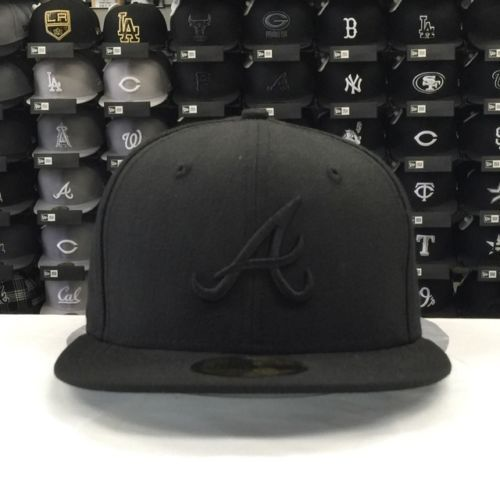 New Era 59Fifty MLB Atlanta Braves Black on Black Fitted Cap
