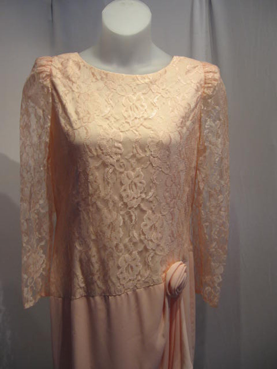 Vintage 80's Lace Polyester Blend Mid-Calf Mother's Evening Cocktail Dress :16M