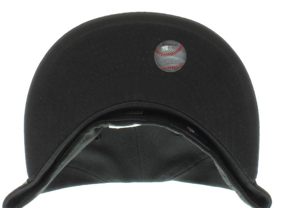 New Era 59Fifty MLB Texas Rangers Black and White Fitted Cap