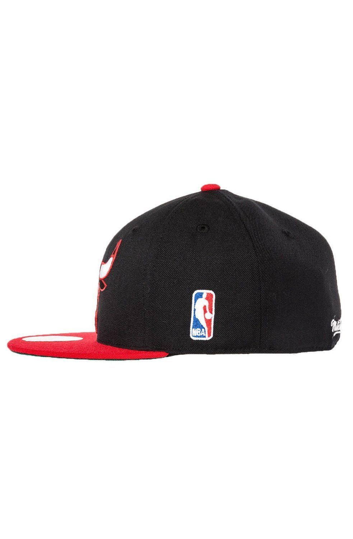 Mitchell & Ness NBA Hardwood Classics Chicago Bulls XL 2 Tone Fitted Cap