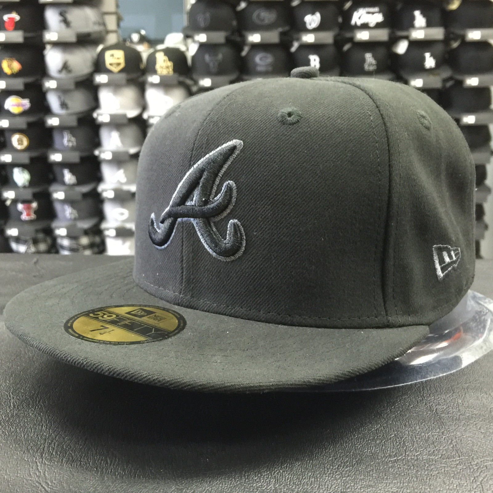 New Era 59Fifty MLB Atlanta Braves Black Gray Basic Fitted Cap
