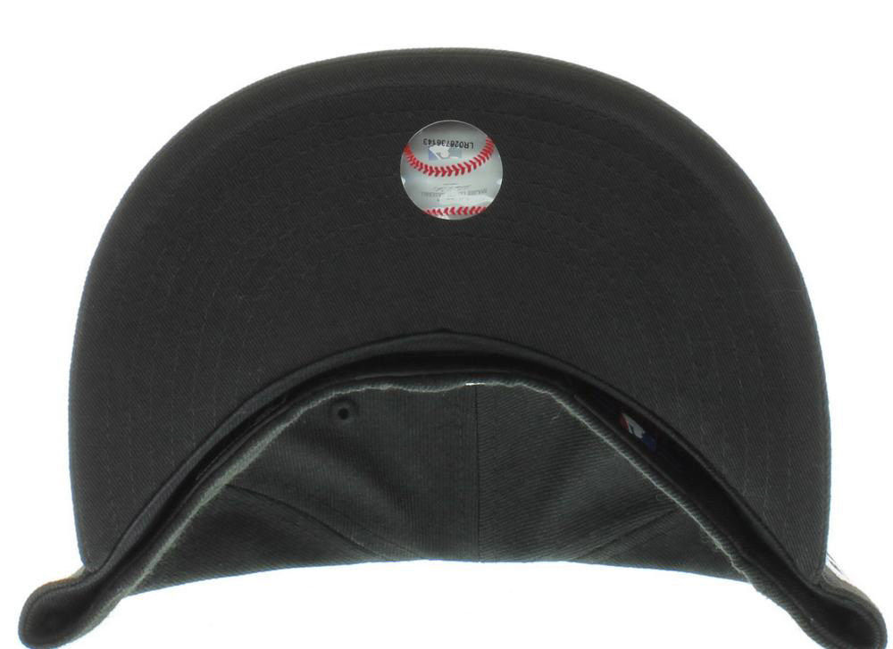 New Era 59Fifty MLB Boston Red Sox Black and White Fitted Cap