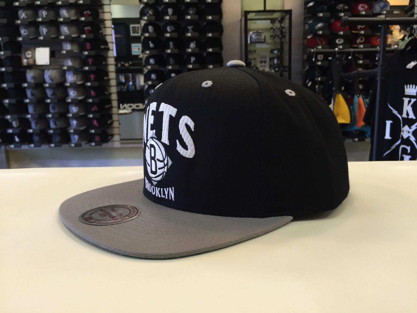 Mitchell & Ness NBA Brooklyn Nets Grand Arch Two Tone Snapback OSFA #12569