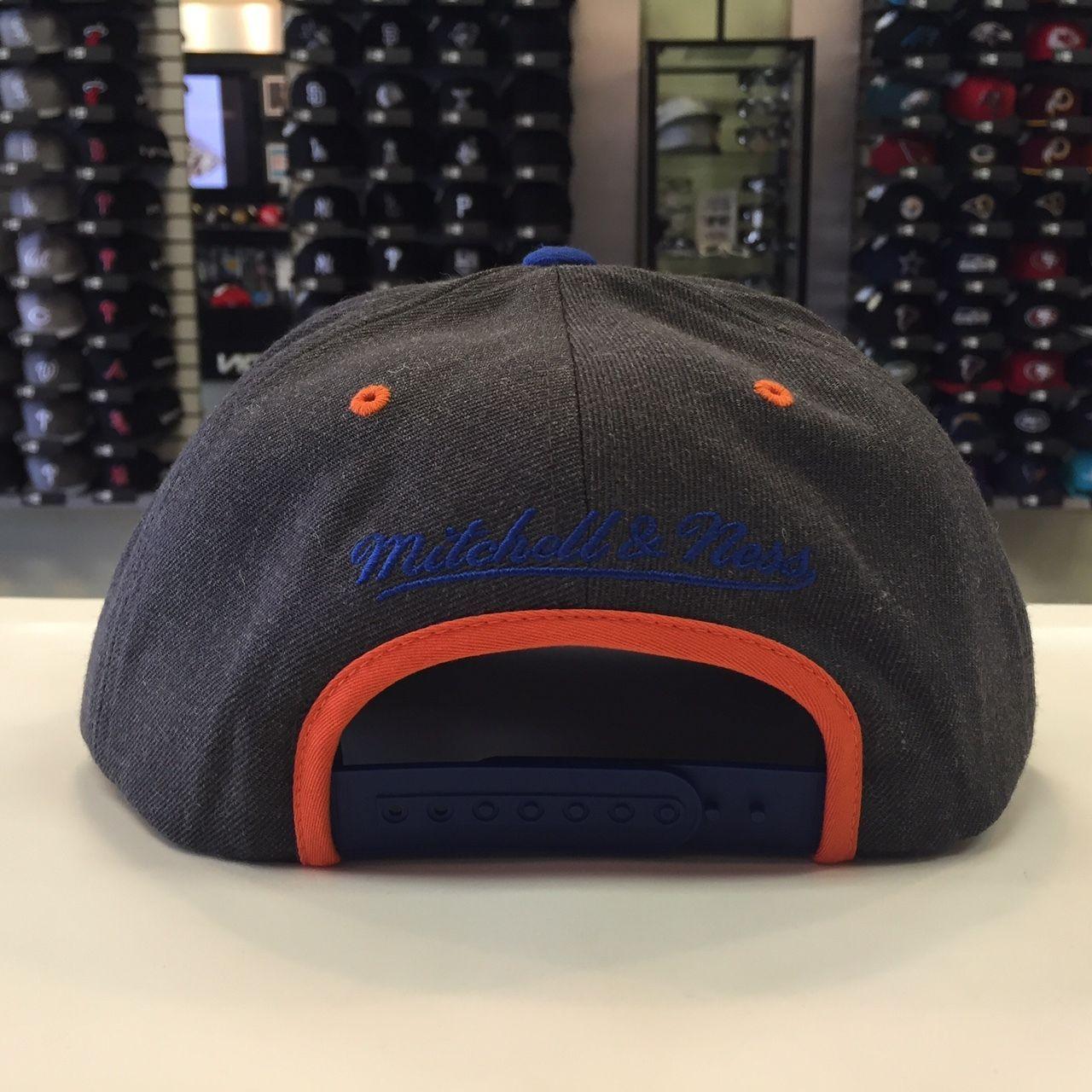 Mitchell & Ness NBA New York Knicks  Dark Heather Charcoal Snpabck Cap Hat 12746
