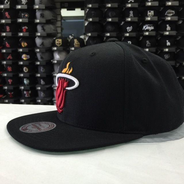 Mitchell & Ness NBA Miami Heat Black Adjustable Snapback #11308