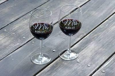 MR & MRS  Set(2) of custom engraved wine glasses, engraved wine glasses, Wedding