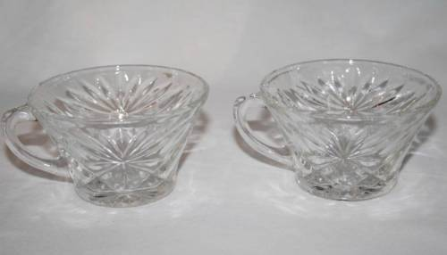 Set of 2 Anchor Hocking Prescut-Clear Star Fan Snack or Punch Cup  #1722