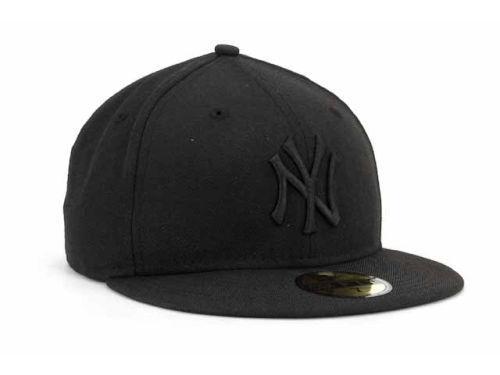 New Era 59Fifty MLB New York Yankees Black On Black Fitted Cap